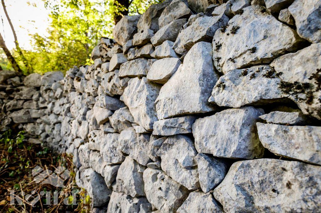 Karra Karst rock wall